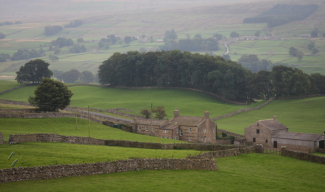 farm-on-yorkshire-dales.jpg