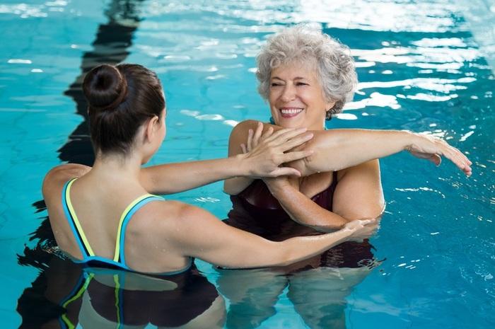 club de natation pour les personnes âgées