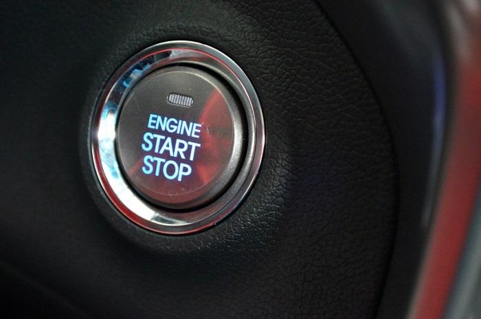bouton de démarrage du moteur