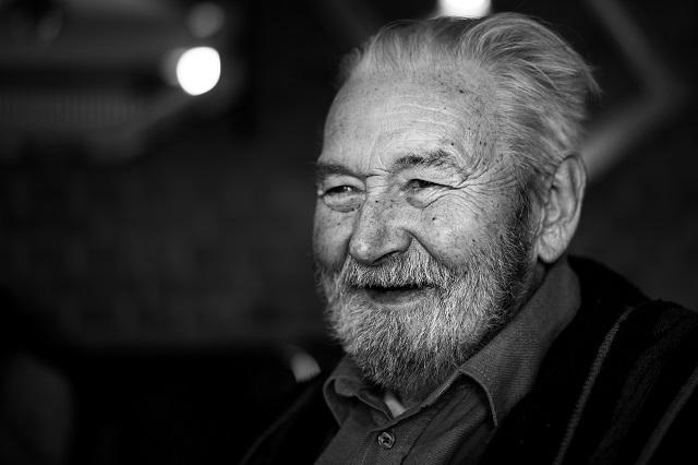 vieil homme-souriant.jpg